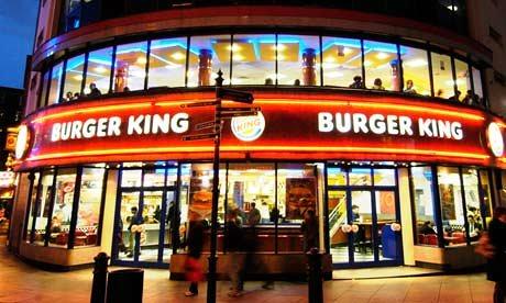 Burger King Çalışanı Müşteriye Hakaret Etti